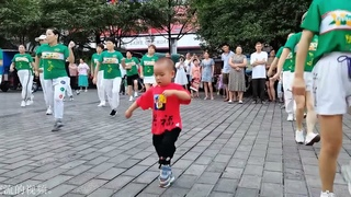 Baby Nadi, so cute, watch the video of Nadi dancing and socializing with others