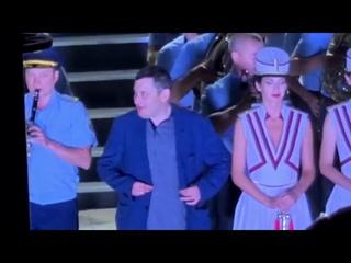 Депутат Госдумы Александр Хинштейн на сцене Фестиваля духовых оркестров в Самаре