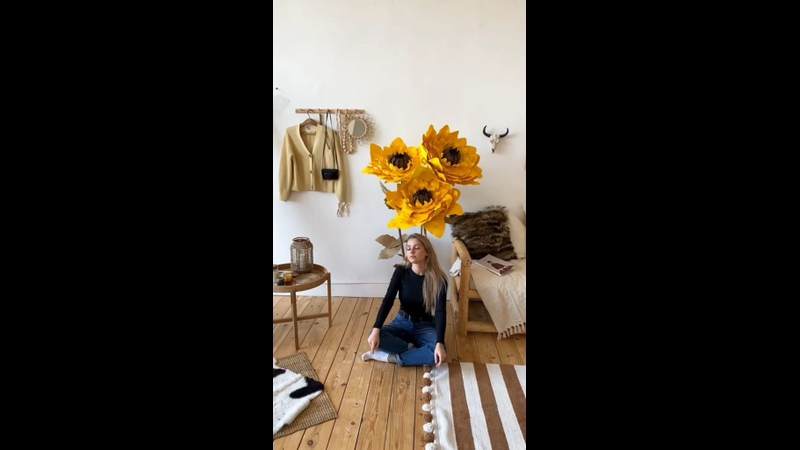 Видео от Валентина Молокова Онлайн школа больших цветов