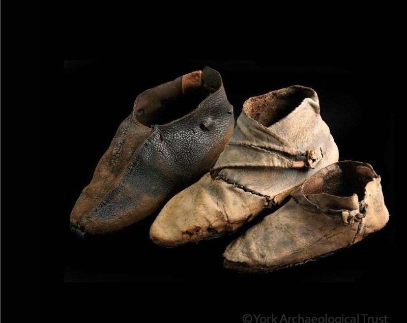Кожаная обувь.