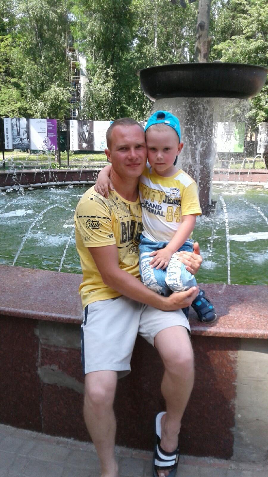 Александр, 32, Zaval'noye
