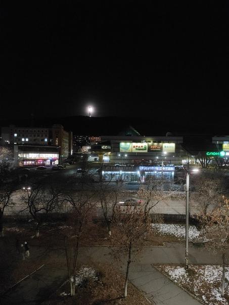 Уникальный час - луна в Сириусе, точнее в телевышк...