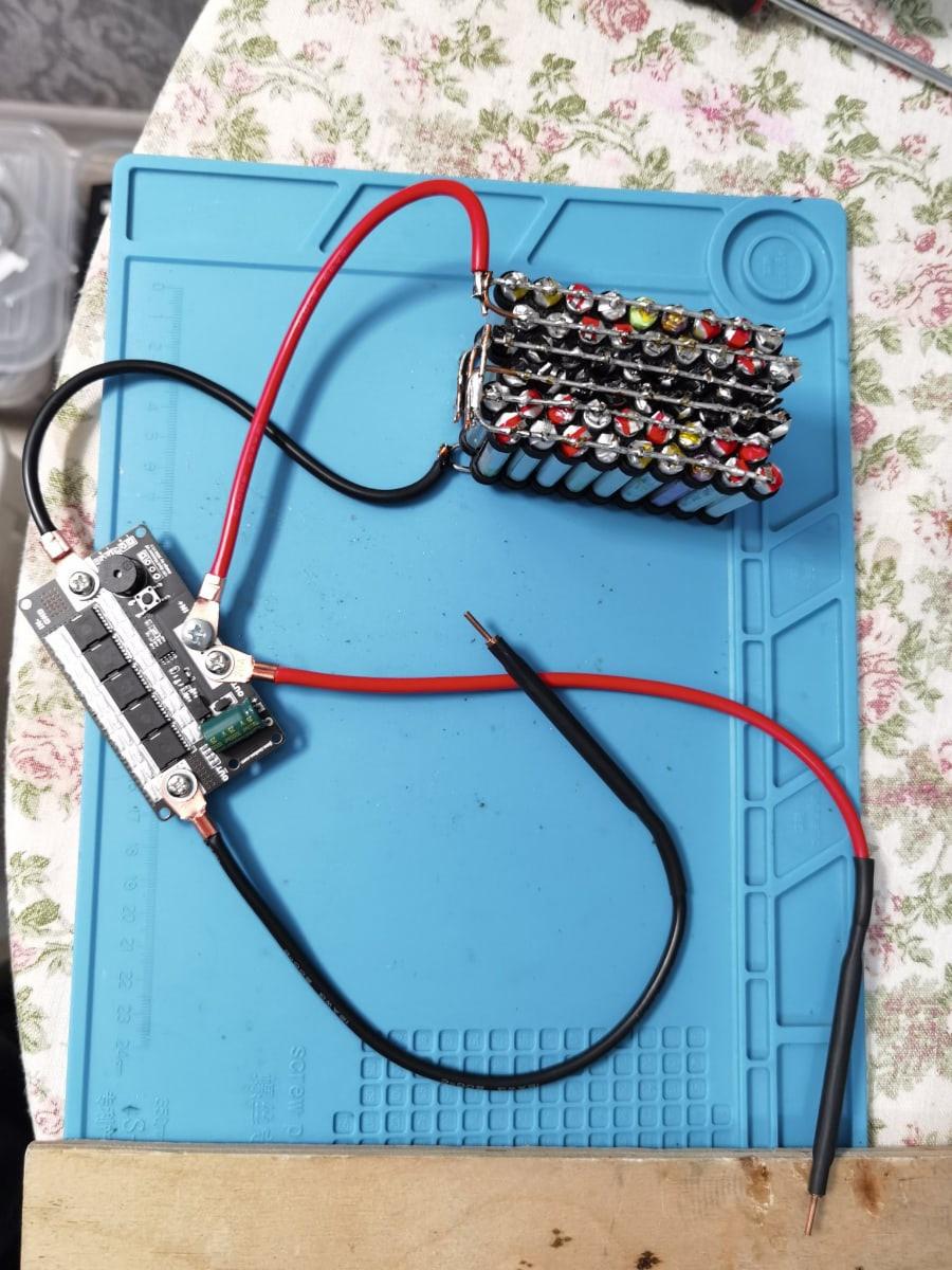 Точечная сварка на аккумуляторе из электронных сигарет